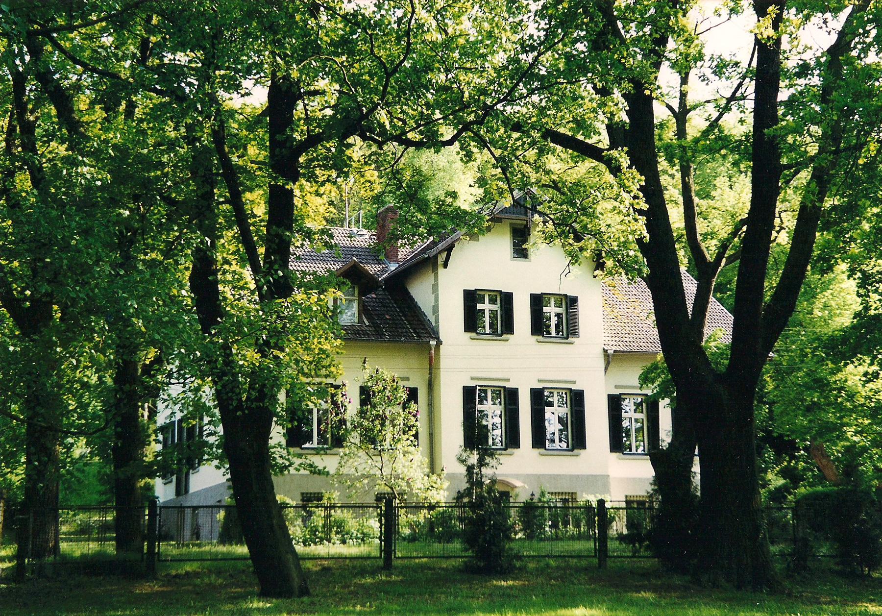 Gräfliche Villa • Pension & Ferienwohnungen